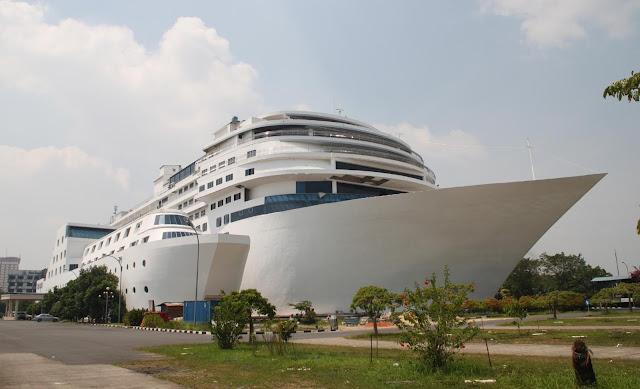 Bosan Dengan Suasana Hotel Yang Biasa? Cobalah 5 Hotel Paling Unik Di Indonesia Ini!