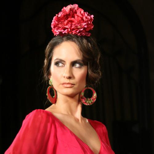 Las mejores variaciones de peinados de gitana Galería de cortes de pelo tutoriales - bel&co: Los mejores 30 peinados de flamenca 2014