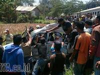 KA Hantam Mobil di Pasuruan, Seorang Tewas dan 3 Lainnya Terluka