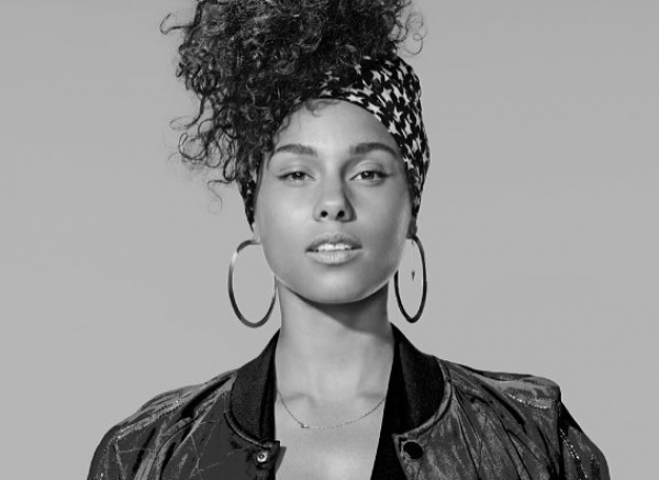 Why I adore the makeup free Alicia Keys - #InCommon #Inspiration #NoMakeup Campaign