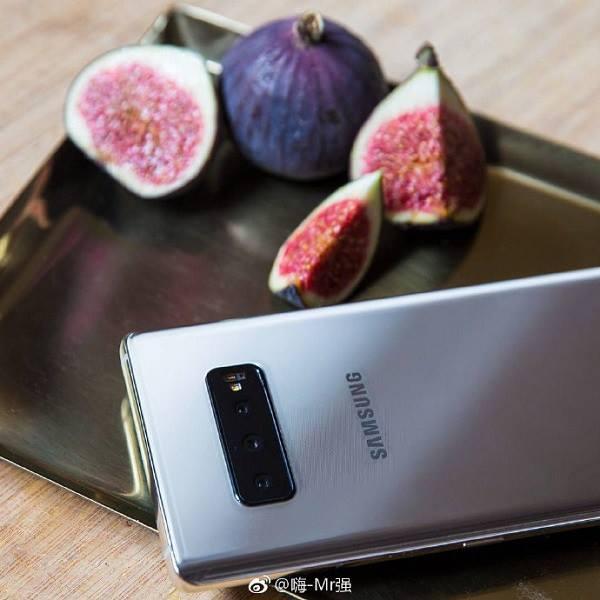 Galaxy S10 Plus lộ ảnh thực tế với 3 camera mặt sau ảnh 2