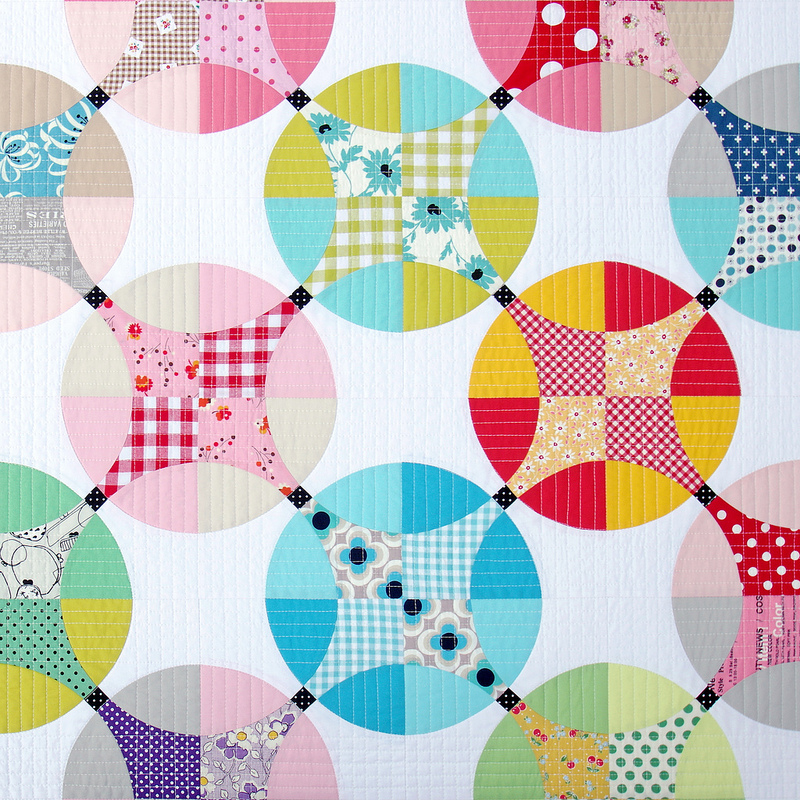 Flowering Snowball Quilt | © Red Pepper Quilts 2016