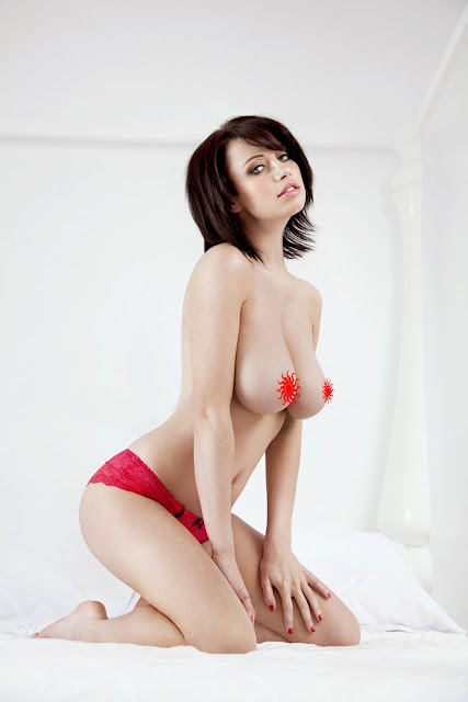Sophie Howard Topless
