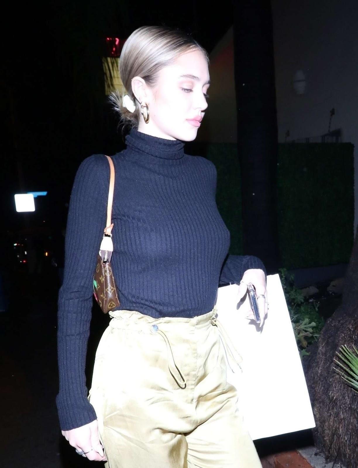 Delilah Belle Hamlin Pokies, Out in West Hollywood -  03/06/19