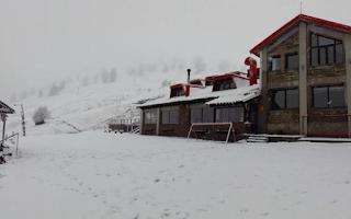 Πυκνή χιονόπτωση στη Βασιλίτσα – Σε ποιες περιοχές χιονίζει