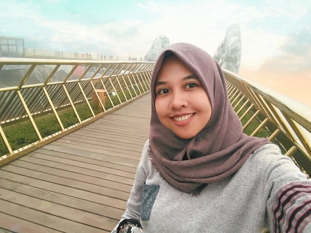 Selfie at the Golden Bridge Ba Na Hills