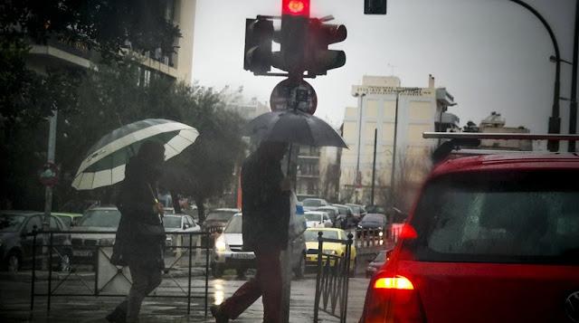 Η «Ιοκάστη» θα σαρώσει τη χώρα το Σαββατοκύριακο: Ισχυρές βροχοπτώσεις, καταιγίδες και χιόνια