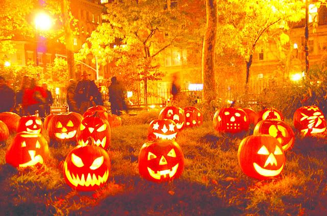6. Tại nước Mỹ, Halloween là ngày lễ quan trọng thứ nhì trong năm