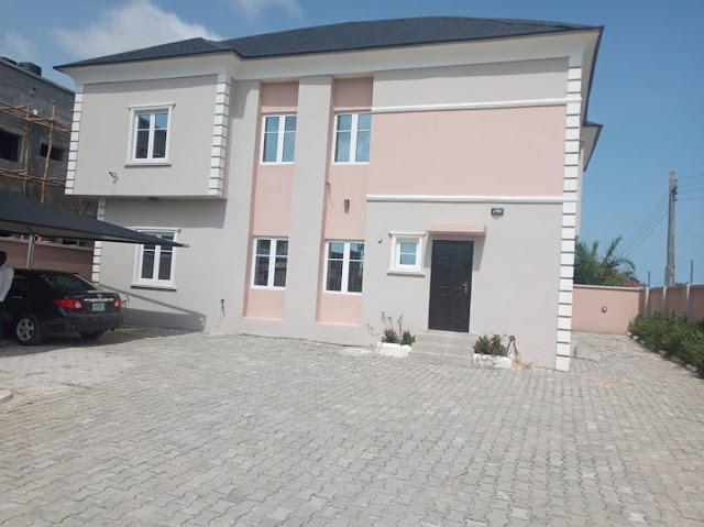 AWOYAYA RENT: Specious 3 Bedroom Flat is Available