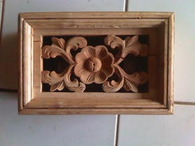 14 model loster ukir kayu jati untuk rumah hunian minimalis