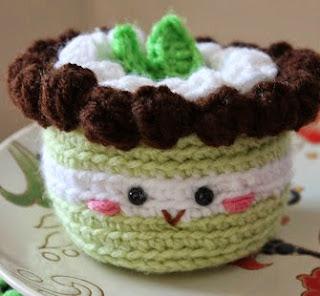 http://amigurumifood.blogspot.com.es/2013/05/mint-cake-amigurumi-free-pattern.html