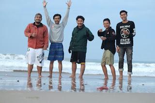 Pantai Indah Jawa Barat SUkabumi - Pantai Pasir Putih