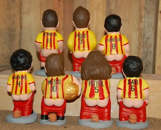 gambar Patung punggawa Barcelona sedang BAB