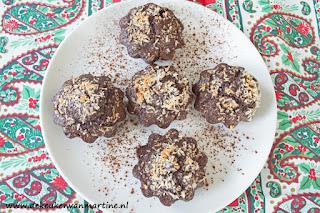 Koolhydraatarme 'sneeuwsterren' met kokos en chocolade
