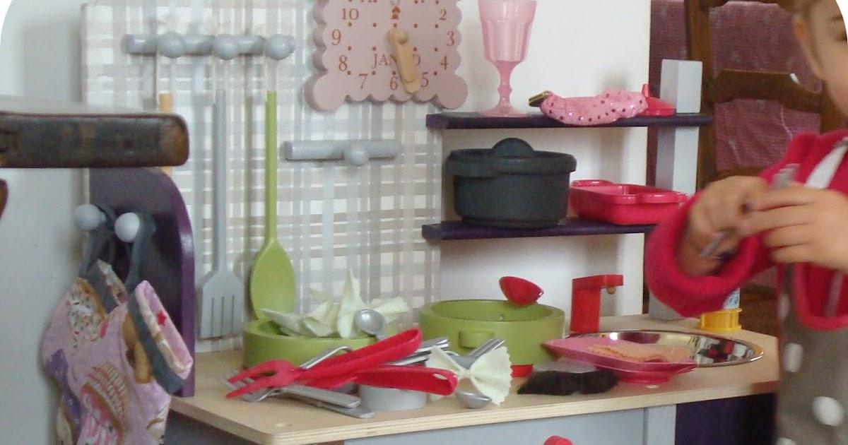 tadaam relooking de cuisini re d 39 enfant et ses accessoires. Black Bedroom Furniture Sets. Home Design Ideas