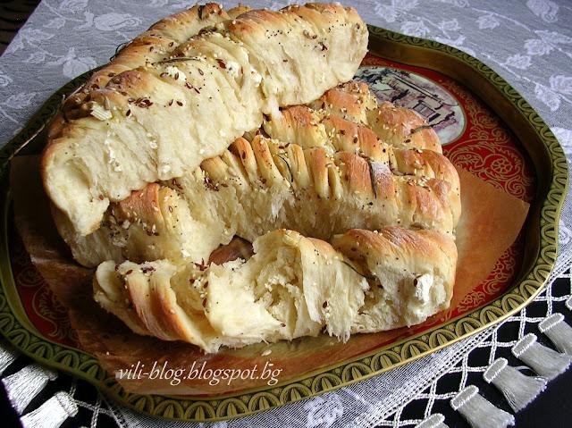 Усукана питка със сирене