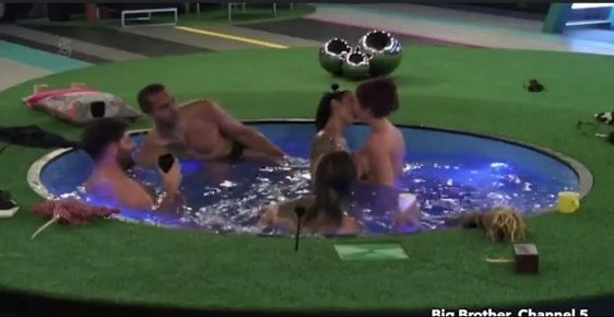 Big Brother Uks Laura Carter Kisses Touches Housemates-2417