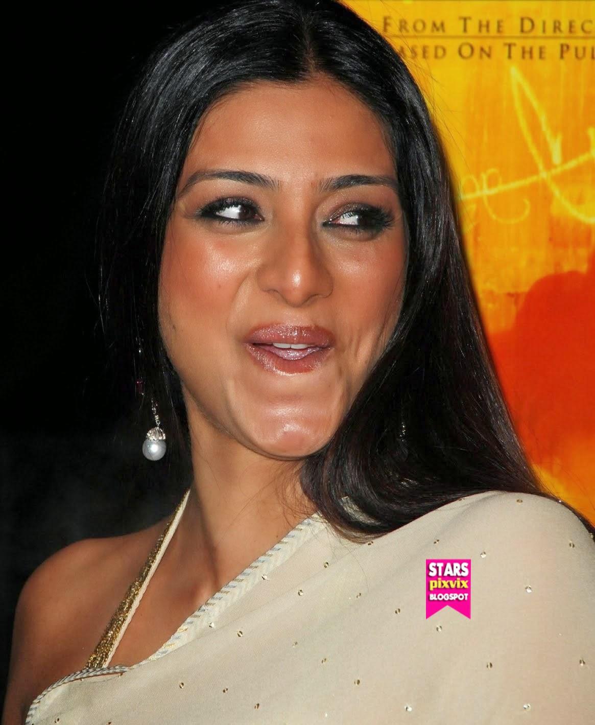 Is a cute Cleavage Gayatri Patel  nude (68 photos), iCloud, braless
