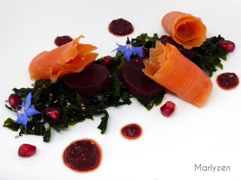 Salade d'algues wakame au saumon fumé