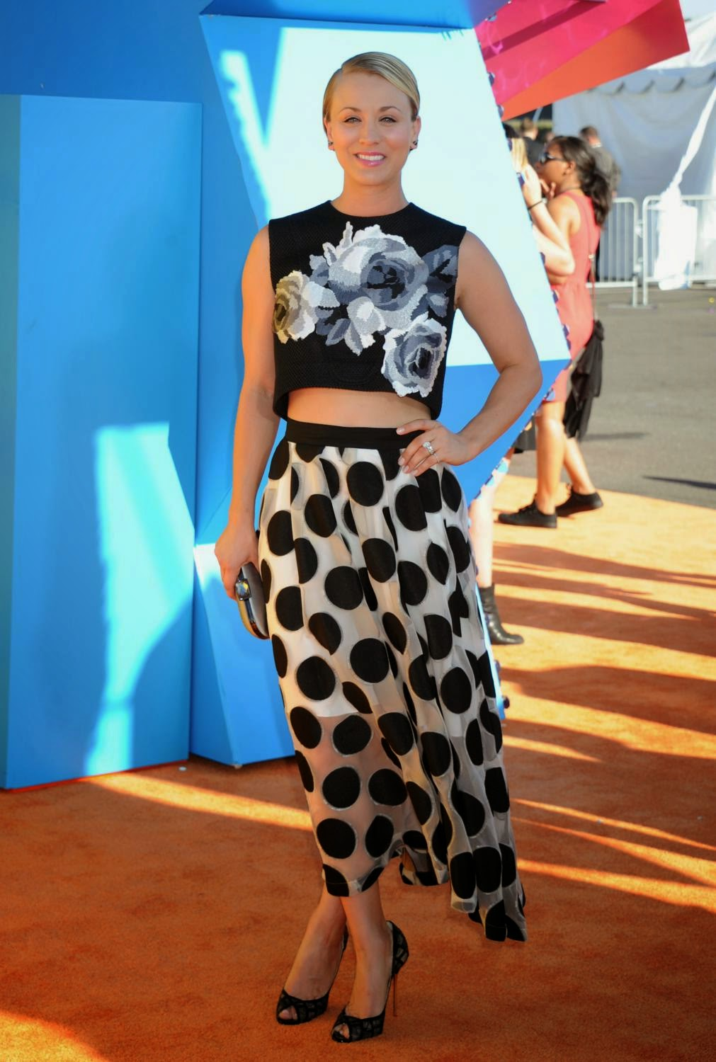 Kaley Cuoco in a Lela Rose attire at the 2015 Nickelodeon Kids' Choice Awards