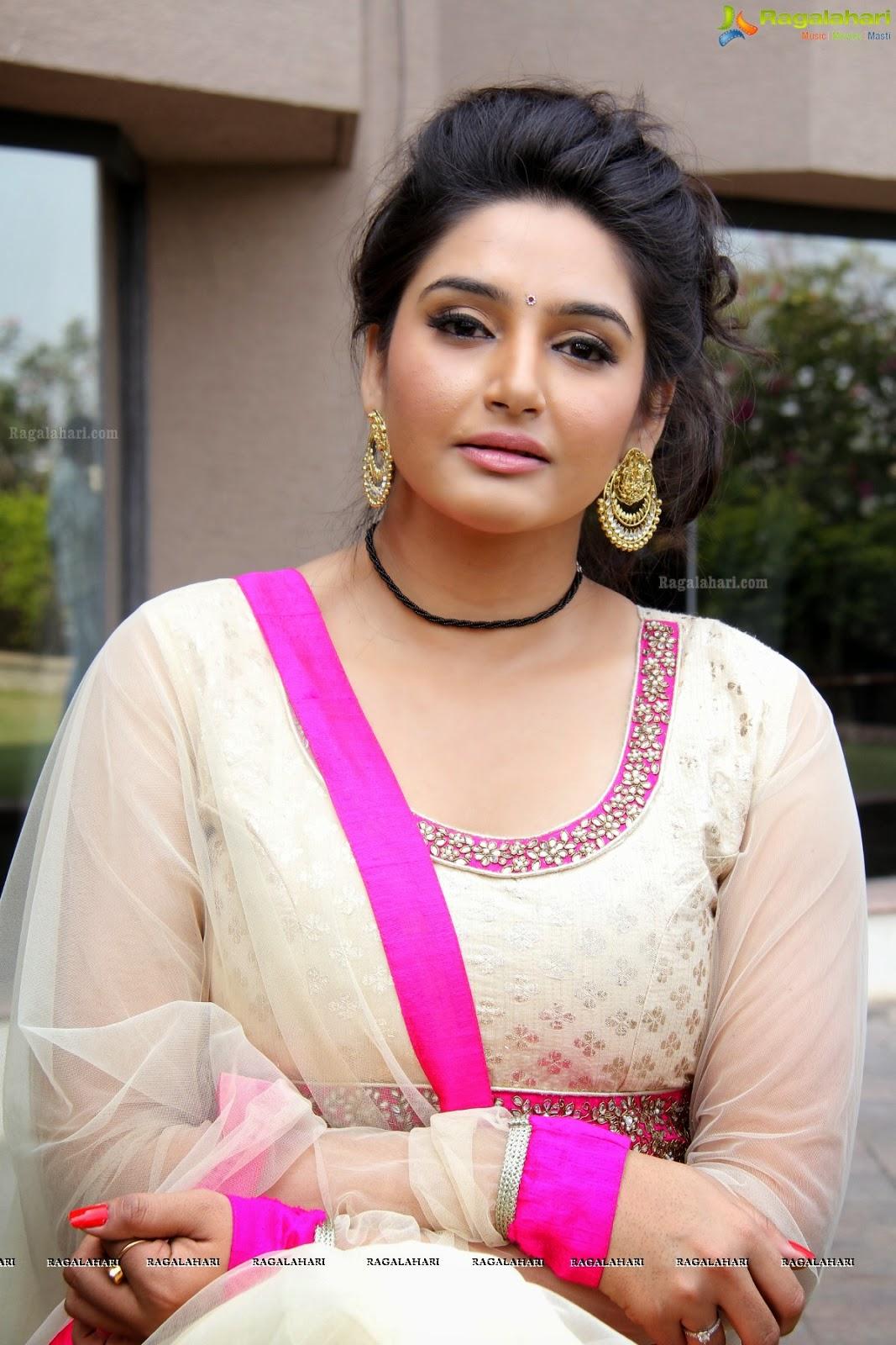 Ragini Dwivedi Latest Images In Punjabi Dress-6758