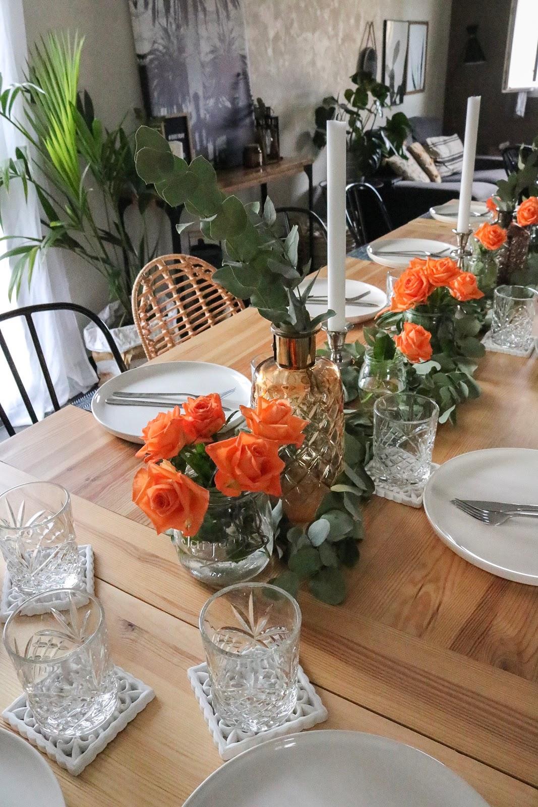 Une Table Folk Aux Fleurs Colorees Pour Un Anniversaire Pauline