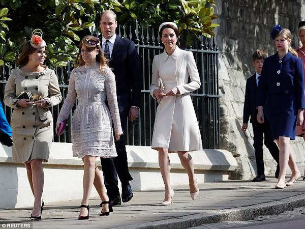 Rodzina Królewska na wielkanocnym nabożeństwie.