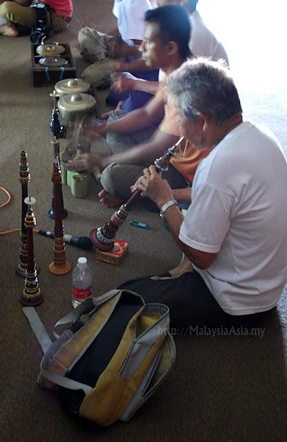 Serunai flute