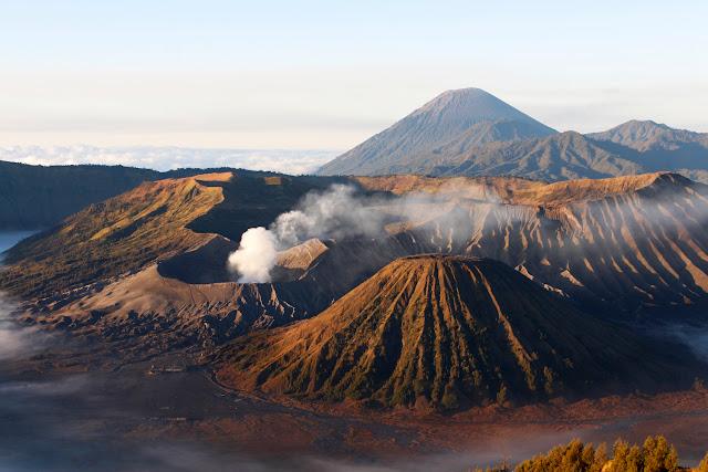 Monte Bromo amaneciendo