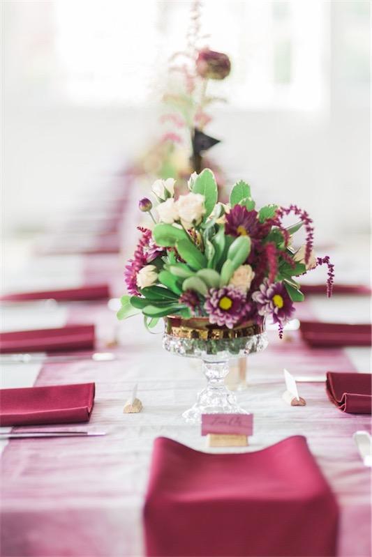 Boda decorada en tonos frambuesa chicanddeco