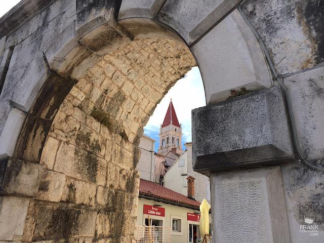 arco de entrada a dubrovnik croacia