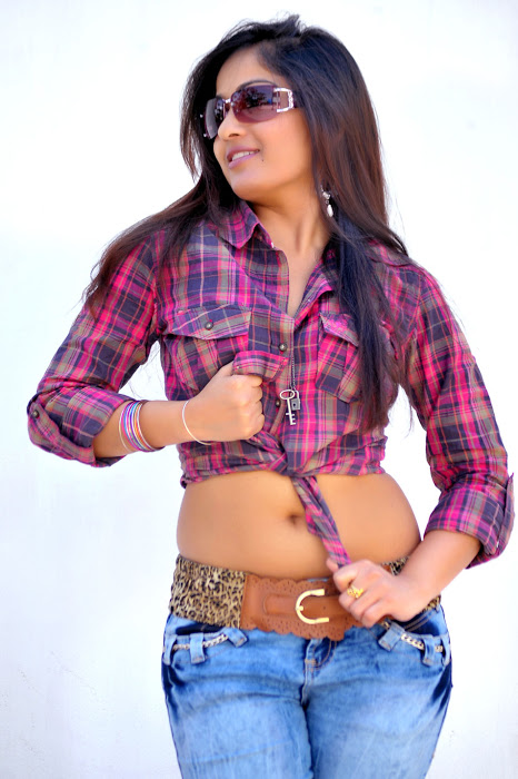 Madhavi latha latest hot photoshoot