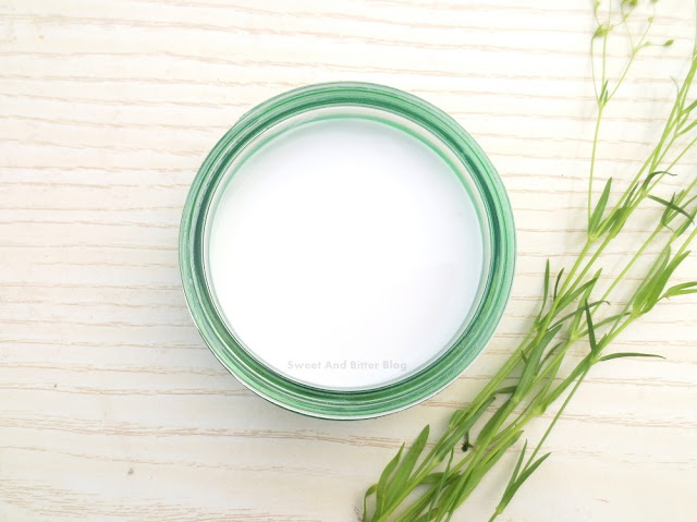The Body Shop Drops of Youth Bouncy Sleeping Mask Review Texture Price in India