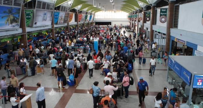 En los primeros 10 meses del año viajaron más de diez millones de pasajeros por los aeropuertos