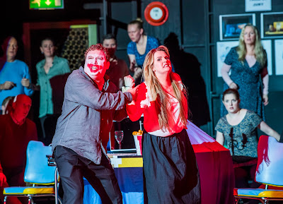 Opera North's production of Leoncavallo's Pagliacci, Autumn 2017 Richard Burkhard as Tonio, Peter Auty as Canio, Elin Pritchard as Nedda and members of the Chorus of Opera North (Photo Tristram Kenton)