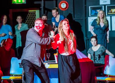 Opera North's production of Leoncavallo's Pagliacci, Autumn 2017 Richard Burkhard as Tonio, Peter Auty as Canio, Elin Pritchard as Nedda and members of the Chorus of Opera North (Photo Tristram Kenton)