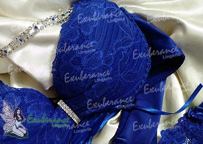 Lingerie Azul Bic, detalhe alça em biju Exuberance Lingerie