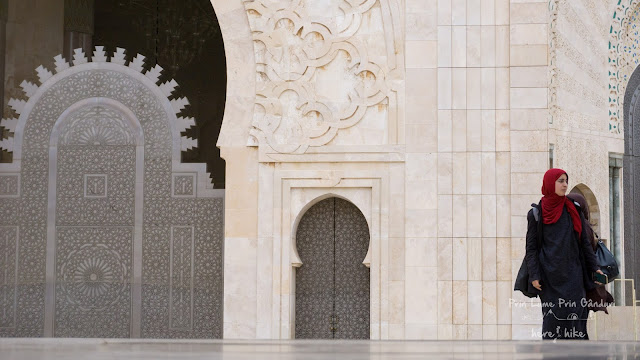morocco-marakkesh-chefchaouen-bazaar-muslim-woman
