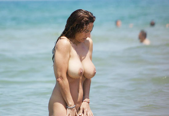 Desi Big Boobs Aunty Nude Bath Hairy Pussy Shows In Beach Image
