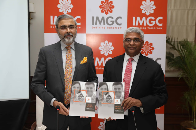 L2R Amitava Mehra, CEO, IMGC and Sriram Kalyanaraman as Managing Director and CEO of National Housing Bank.