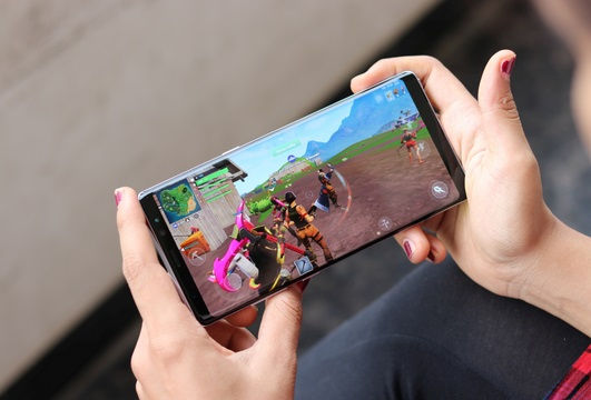 Keunggulan Samsung Galaxy Note 9 - Fortnite Android