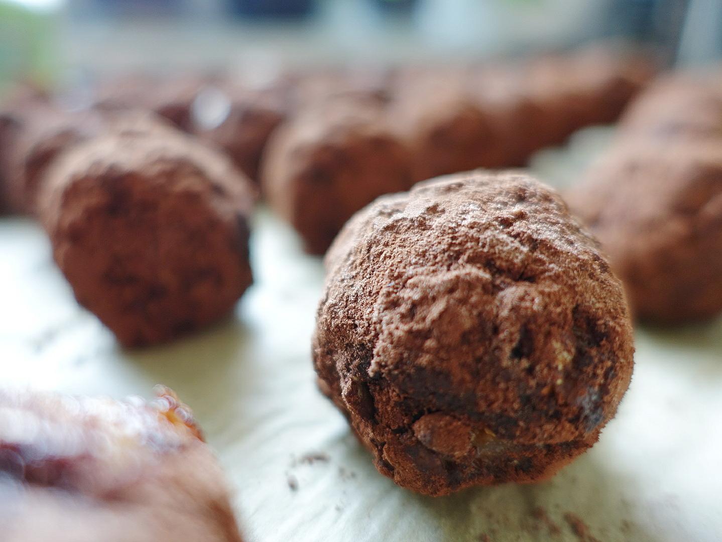 Zum Schluss in Kakao oder Kokos wälzen
