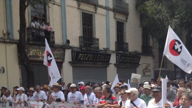 """""""Señor Peña Nieto, más de 28.000 personas han desaparecido. ¿Qué les pasó?"""""""
