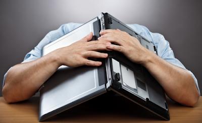 كيف تتجنب الشحن الزائد للحفاظ على بطارية حاسوبك