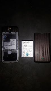 Review dan spesifikasi  Hp Sony Ericsson  G700 Antik