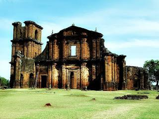 Ruínas da Igreja de São Miguel Arcanjo, em São Miguel das Missões.