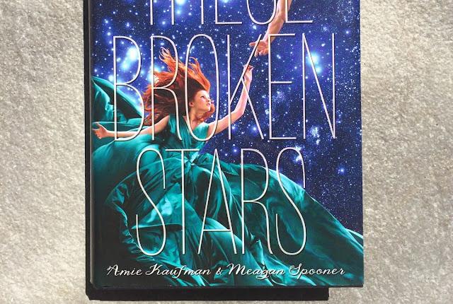 Rezension These Broken Stars