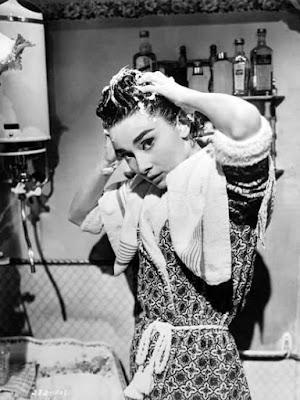 Audrey Hepburn Washing Hair //pin.it/75qhg7beicaqjq