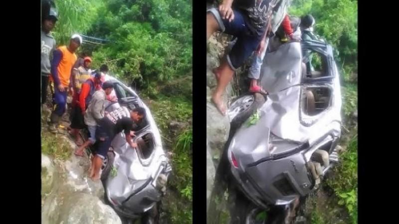 Mobil berpenumpang 8 mahasiswa UGM mengalami kecelakaan di Pasuruan