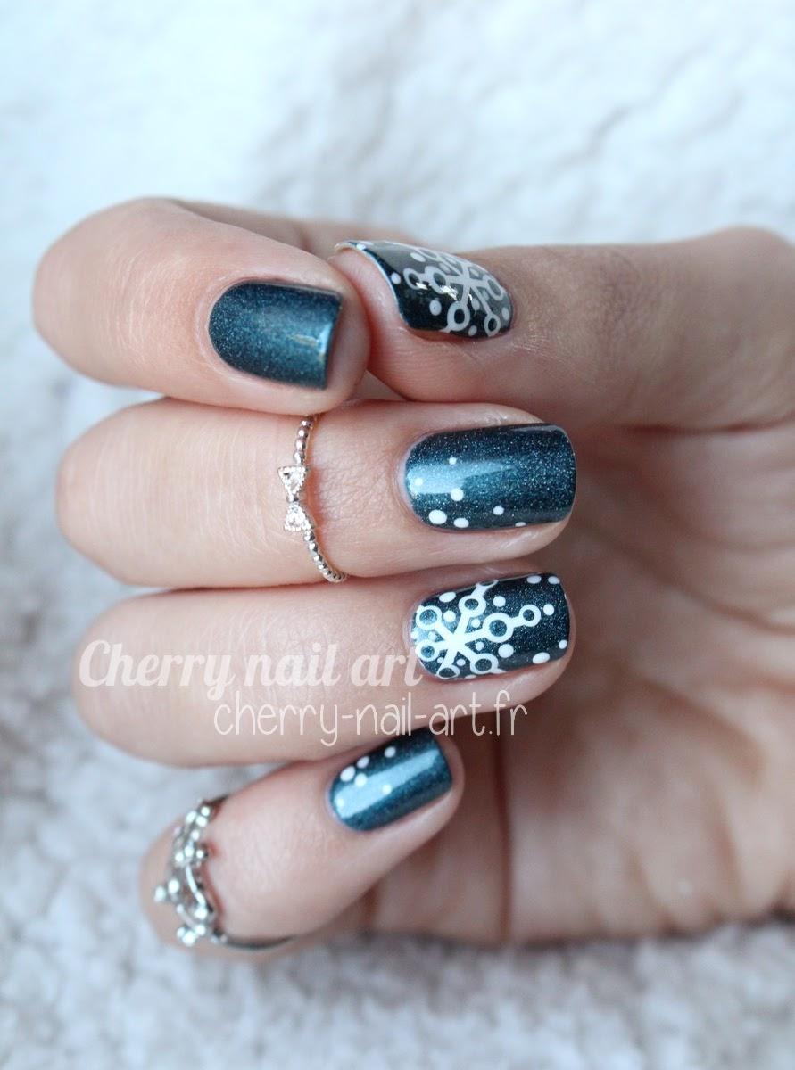 nail-art-noël-flocons-facile-rapide-vernis-dotting